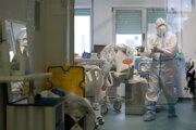 Portugalské nemocnice zažívajú nápor pacientov s covidom.