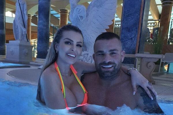 Karlos Vémola sa pochválil pobytom v kúpeľoch na sociálnych sieťach.