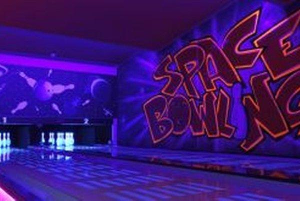 V Space bar & Bowlingu si zahráte na dvoch dráhach.