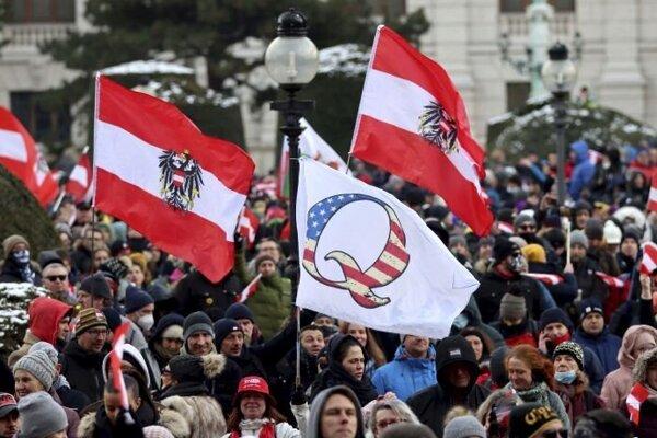 Demonštrácia proti opatreniam vo Viedni, snímka zo 16. januára.