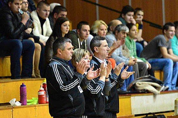 Realizačný tím Dusla Šaľa na čele s trénerom Petrikovičom bol s výkonom dievčat spokojný.