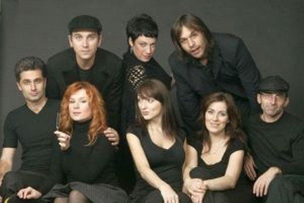 Fragile bude tento piatok spievať v Nitre. Stanislav Košecký je prvý sprava.
