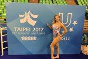 Ešte pred nástupom na vysokú školu sa Barbara dvakrát zúčastnila na majstrovstvách sveta juniorov a dvakrát na majstrovstvách Európy juniorov.