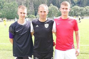 Stanislav Kormaňák so synmi Viliamom (vľavo) a Samuelom (vpravo).