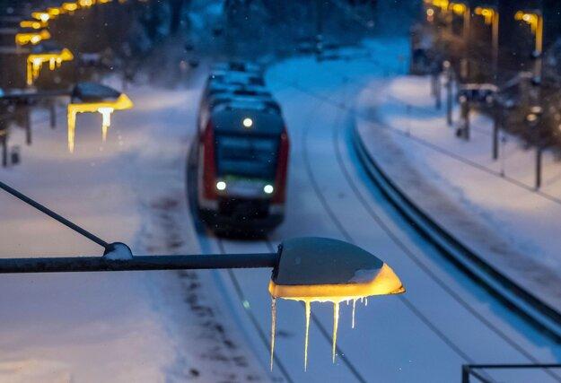 Cencúľe na lampách v nemeckom Dortmunde.