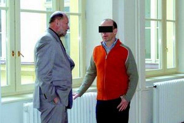 Zoltán P. sa k prípadu pre naše noviny nechcel vyjadriť. Na súde ho zastupoval známy nitriansky advokát Kamil Beresecký.