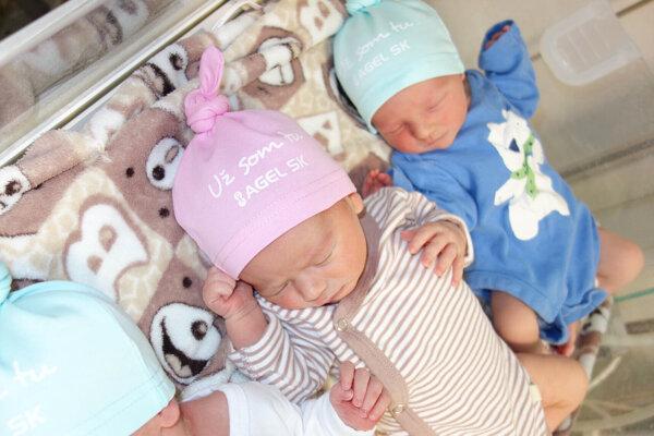 Detičky z pôrodnice.