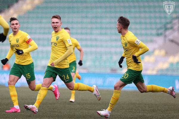 Tibor Slebodník (č. 24) strelil v premiérovom zápase za áčko Žiliny vo Fortuna lige svoj prvý gól.