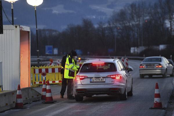 Sprísnené kontrolné hliadky na nemeckých hraniciach