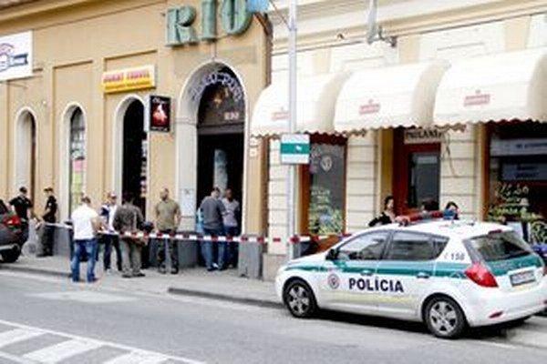 Polícia urobila vlani na Mostnej ulici rekonštrukciu činu.