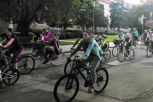 Hromadné cyklojazdy sú v Nových Zámkoch populárne.