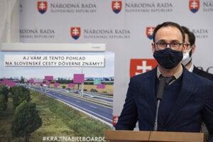 Poslanec Za ľudí Tomáš Lehotský.