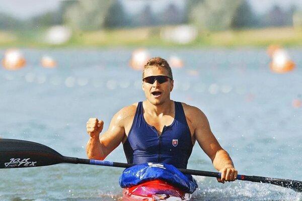 Rastislav Kužel vo svojej lodi po pretekoch