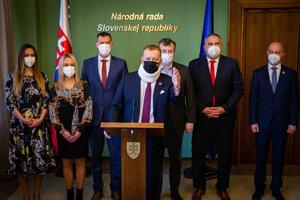 Koaličná kríza: Kollár pozval partnerov na rokovania.