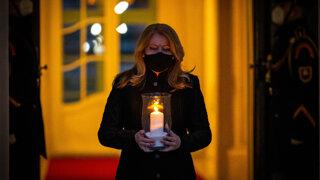 Prezidentka Zuzana Čaputová zapálila sedem sviec za viac ako 7000 obetí korony