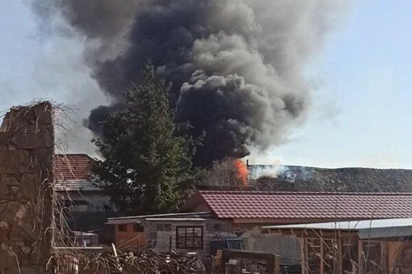 Požiar domu v Sáse.