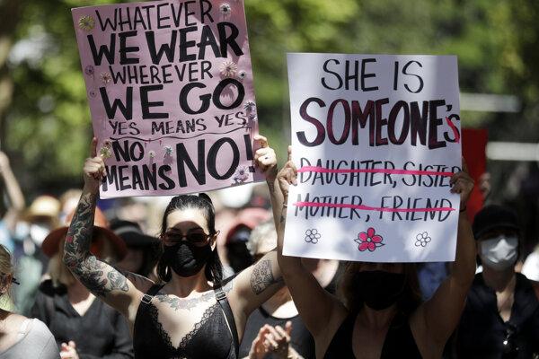 Tisíce žien sa zišli vo viac ako 40 mestách po celej Austrálii.