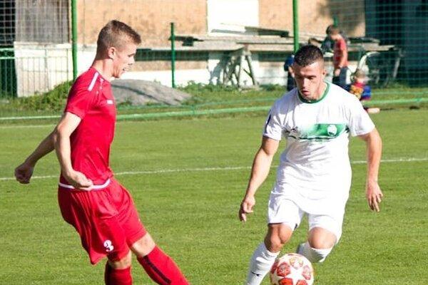 Daniel Janita (v bielom) vpohárovom zápase sPúchovom (rok 2019).