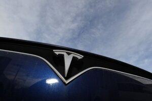 Logo značky Tesla.