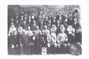 Ľudia z Červeníka, účastníci púte v roku 1923 do rakúskej obce Mariazell.