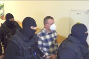 Ľubomír J. dostal trest päť rokov aštyri mesiace.