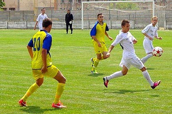 Vrábľania (v žltom) vyhrali oba zápasy v minulom týždni.