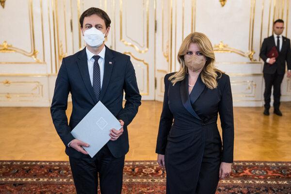 Nový premiér Eduard Heger a prezidentka Zuzana Čaputová.