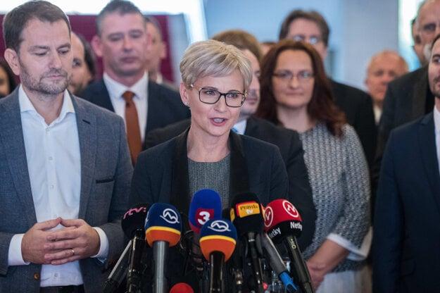 3. december 2019, Bratislava. Pedagogička Mária Šofranko počas tlačovej besedy hnutia OĽaNO, na ktorom predstavili kandidátku do budúcoročných parlamentných volieb. .