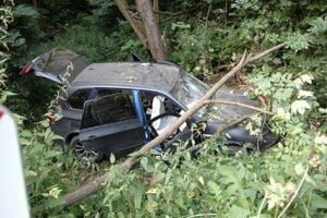 BMW, v ktorom sedel za volantom Gabriel H. Po nehode v ňom ostal zakliesnený.