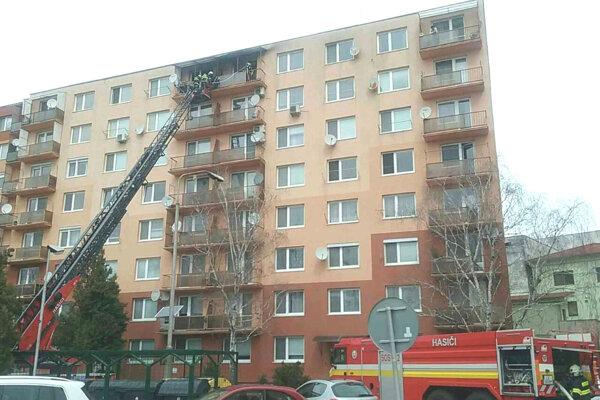 Zásah na Hviezdoslavovej ulici v Leviciach.
