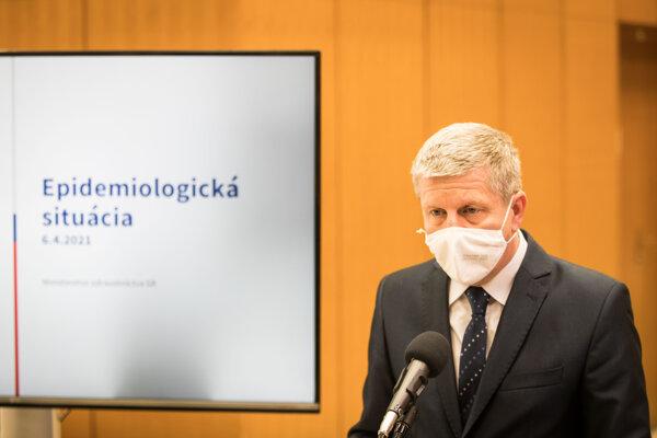 Minister zdravotníctva Lengvarský.