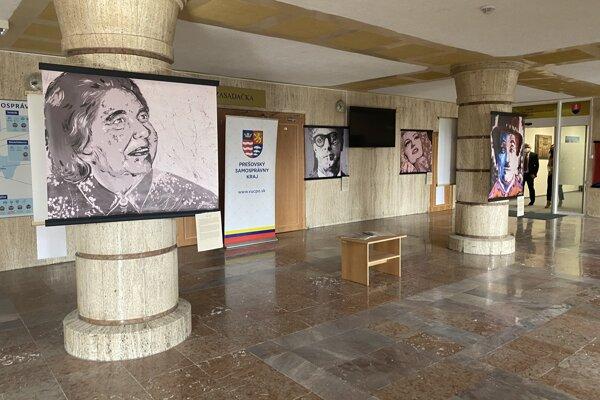 Výstava Neznáme farby osobností v Úrade Prešovského samosprávneho kraja.