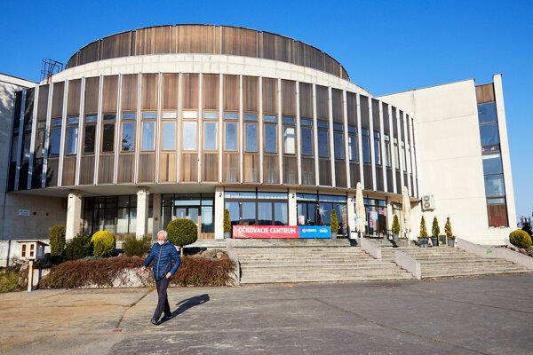 Na budove MsKC v Žiari nad Hronom by mala pribudnúť zelená stena.