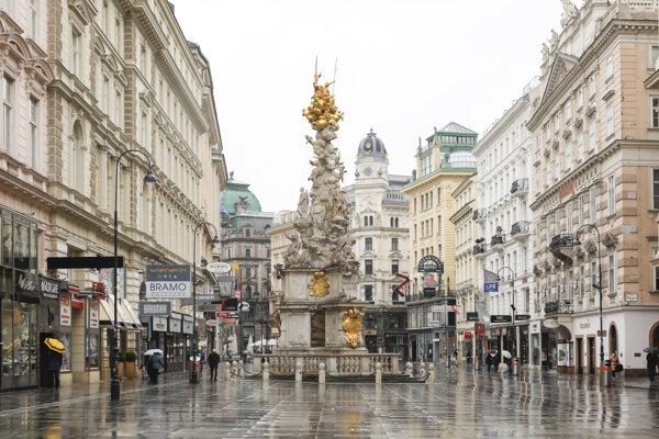 Vyľudnené centrum Viedne.