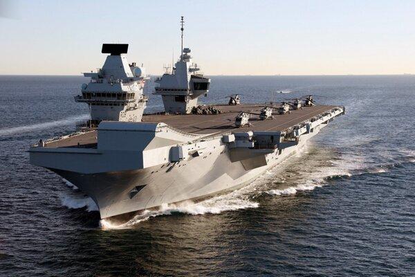 Loď HMS Queen Elizabeth