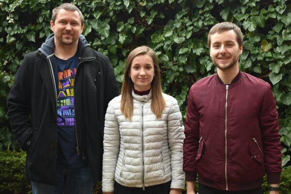 Zľava Peter Baláž, Andrea Zápachová a Peter Roman