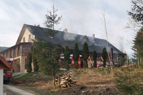 Požiar penziónu v Oščadnici.