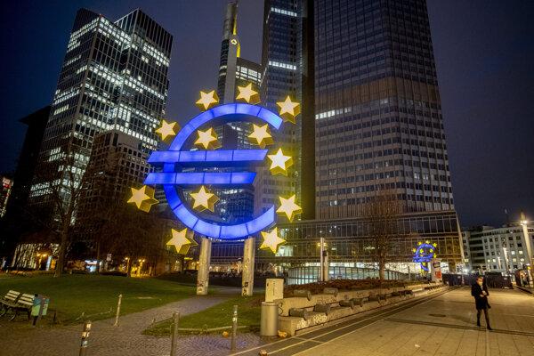 Banky v eurozóne sprísnili prístup k hypotékam