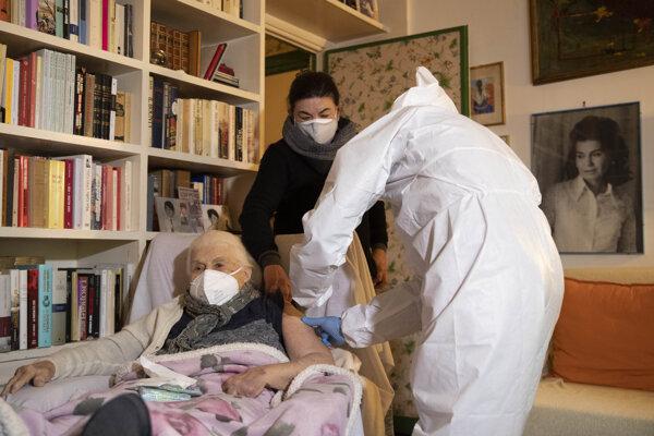 Taliansko pokračuje v očkovaní.