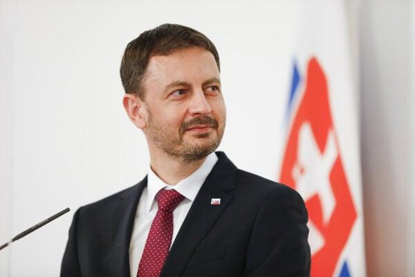 Premiér Eduard Heger.