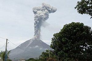 Výbuch sopky Sinabung v Indonézíí.