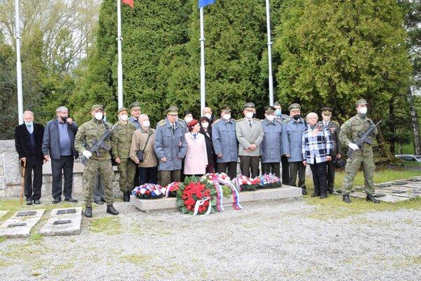 Na Cintoríne hrdinov SNP v Martine - Priekope pri príležitosti 76. výročia víťazstva nad fašizmom.