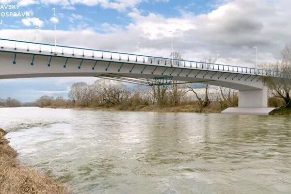 Most v Hlohovci