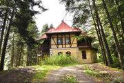 Kúpeľný dom Pionier je jedinou pamiatkovo chránenou nehnuteľnosťou. Aj ten odkúpil Košický samosprávny kraj.