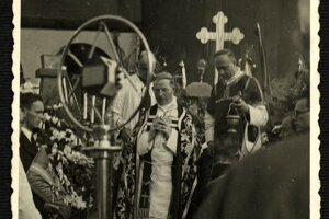 Vojtaššák celebruje na pohrebe A. Hlinku.