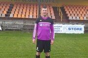 Radoslav Tatarčiak pred domácou tribúnou v drese FK Polom Raková.