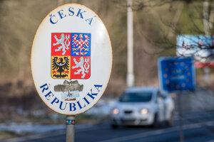 Označenie hranice s Českou republikou.