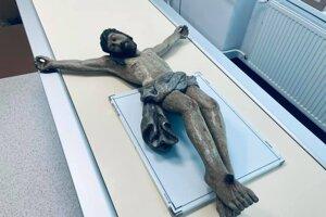 Na rádiodiagnostickom oddelení mali nezvyčajných pacientov. Röntgenové a CT snímky historických sôch pomôžu reštaurátorom.