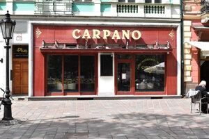 Známu kaviareň chceli zrušiť, po tlaku verejnosti ostáva.