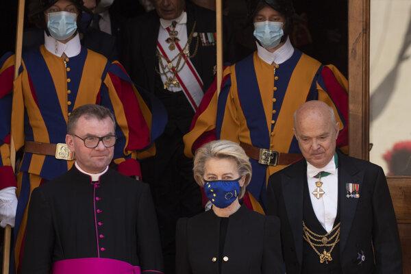 Leyenová na návšteve Vatikánu.